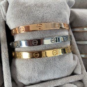 Jewelry - 💥Stainless Steel High Quality Screw Bracelets!
